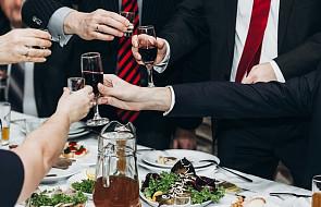 Bp Bronakowski: nie akceptujmy liderów społecznych, którzy nadużywają alkoholu
