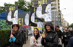 Przed Sejmem protesty zwolenników i przeciwników zmian prawa aborcyjnego