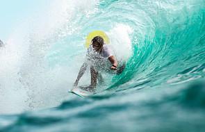 Jeśli zostanie świętym, jedną z jego relikwi będzie... deska surfingowa. Poznaj kleryka, który ujarzmiał fale oceanu