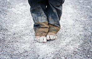 Save the Children: raport o wykorzystywaniu nieletnich