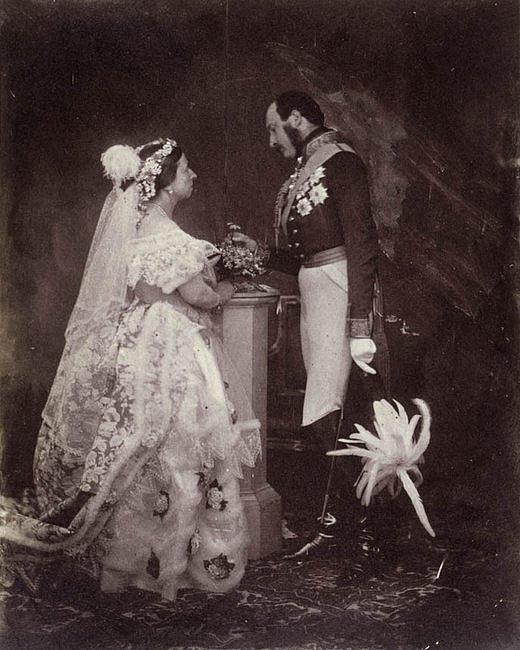 Czy suknia ślubna musi być biała? - zdjęcie w treści artykułu nr 1