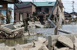 Papież modli się szczególnie za ofiary powodzi. Ich liczba wciąż rośnie