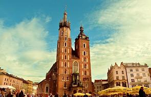 Wieliczka otrzymała model Bazyliki Mariackiej z 2 mln kłosów zbóż. Stanie m.in. na krakowskim rynku