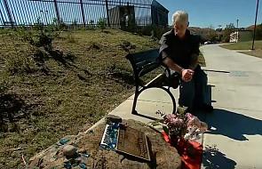 Przez 13 lat odwiedzał miejsce, w którym zmarł jego syn aż otrzymał wzruszającą wiadomość
