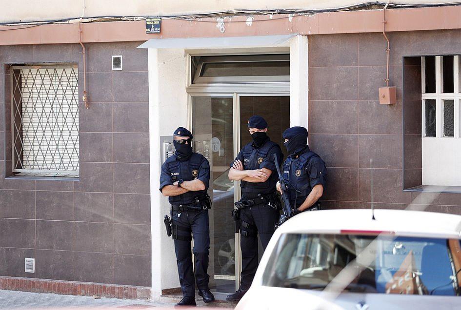 Hiszpania: atak nożownika w Barcelonie; napastnik zabity przez policję - zdjęcie w treści artykułu nr 1