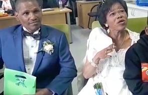 Po 30 latach życia pod mostem para bezdomnych wzięła ślub [WIDEO]