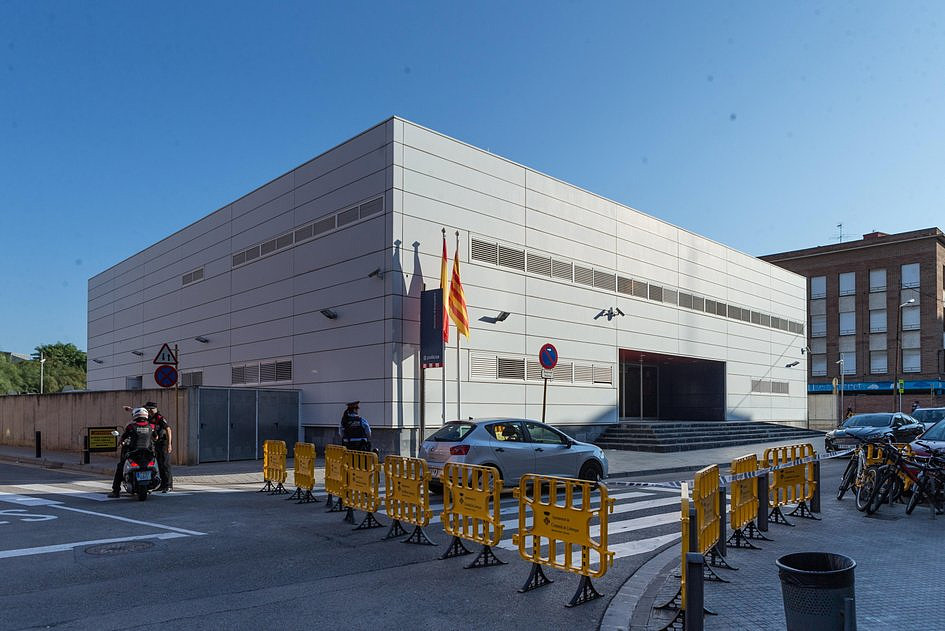 Hiszpania: atak nożownika w Barcelonie; napastnik zabity przez policję - zdjęcie w treści artykułu