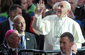 Papież: niech wasze dzieci widzą, jak się całujecie. Ja to widziałem i nigdy tego nie zapomnę