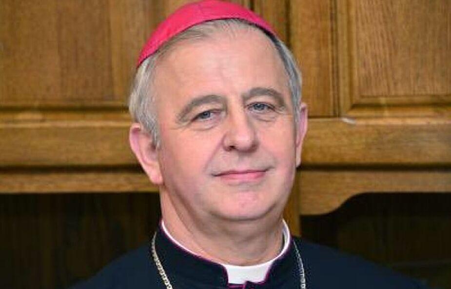 Bp Piotrowski: łaska wiary chrzcielnej to podstawa kwalifikacji każdego katechety