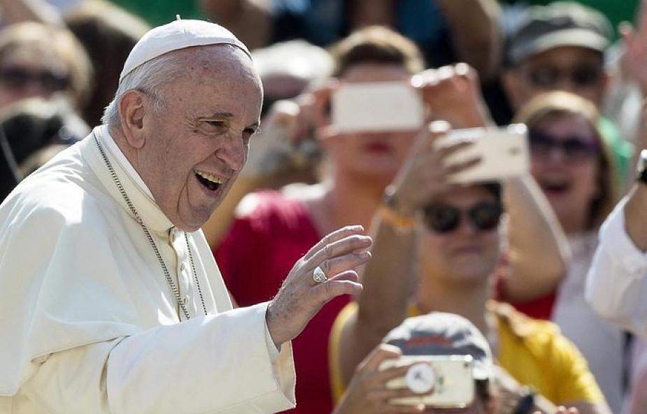 """Papież podsumowuje podróż do Irlandii. """"Musimy się modlić!"""" [PEŁNY TEKST]"""