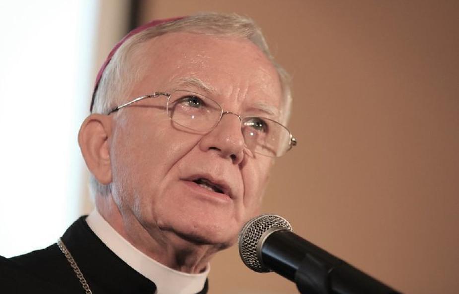 Abp Jędraszewski o sprawie Komunii dla osób żyjących w związkach niesakramentalnych