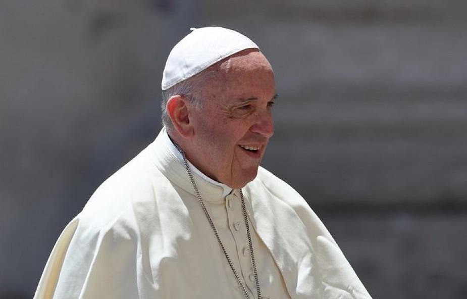 Papież: oderwijmy się od rzeczy światowych, by kontemplować Jezusa