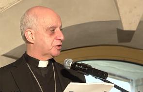 Abp Fisichella: kto krytykuje nauczanie Franciszka, nie jest wierny tradycji Kościoła