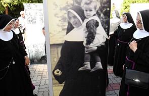 Ta zakonnica uratowała kilkuset Żydów od zagłady. Odsłonięto poświęconą jej tablicę na Powązkach