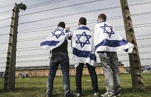 Młodzi Żydzi z Niemiec i muzułmańscy uchodźcy z Syrii i Iraku wspólnie odwiedzili Oświęcim