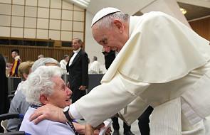 Franciszek: taka ekonomia służy człowiekowi, a nie okrada go