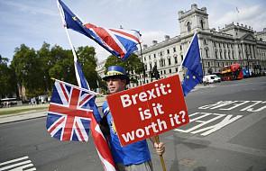 """""""FT"""": UE gotowa pójść na ustępstwa ws. Brexitu"""