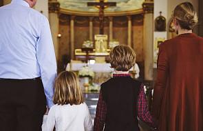 """Znany duszpasterz zabiera głos ws. niegrzecznych dzieci w kościele. """"To, co się dzieje na tej Mszy to jest jakiś sajgon"""""""