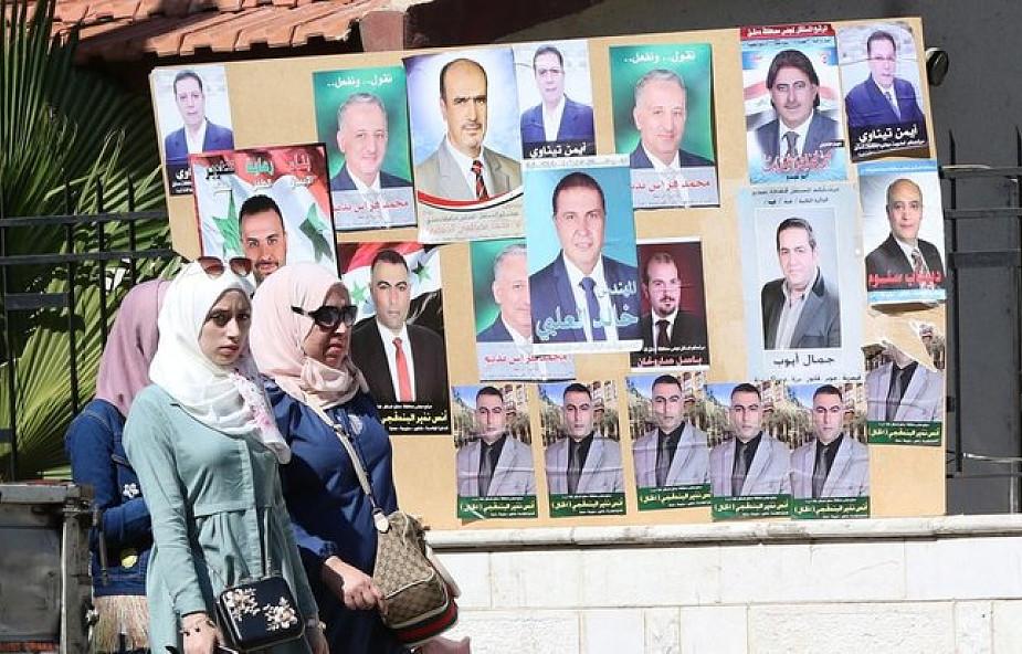 Syria: pierwsze od wybuchu wojny wybory lokalne, kandydaci głównie z partii Asada