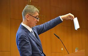 """Czechy: premier nie chce przyjąć 50 sierot z Syrii. Prezydent nazwał zwolenników przyjęcia """"hienami"""""""
