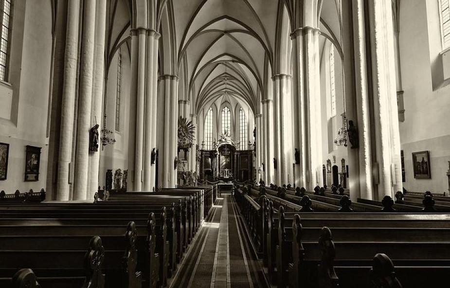 Niemcy: biskupi przepraszają za przypadki molestowania. W latach 1946-2014 niemal 3700 przypadków