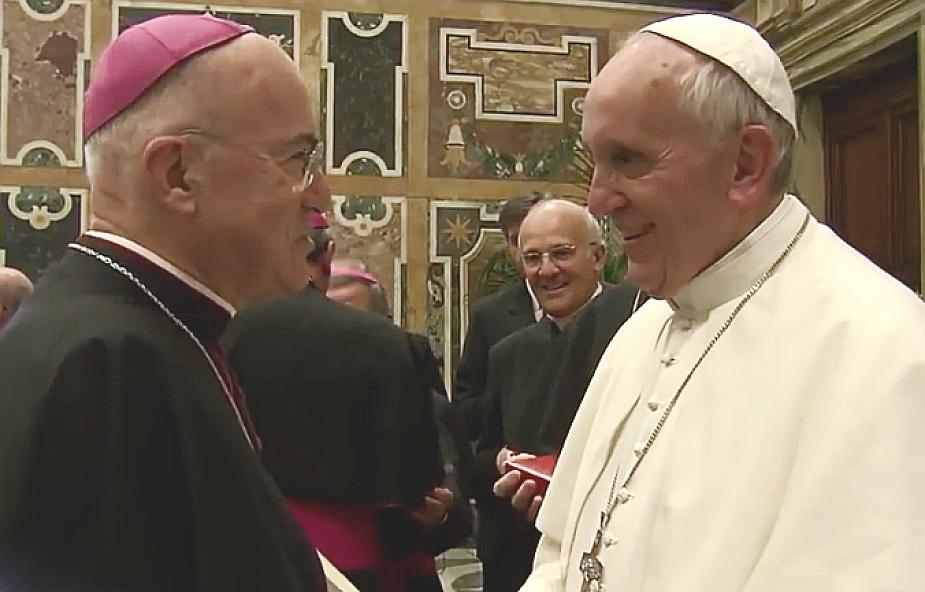 Czy abp Vigano złamał tajemnicę papieską? Grożą za to poważne kary