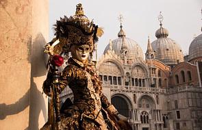 Nowy pomysł władz Wenecji: zakaz siadania na ziemi i na schodach kościołów