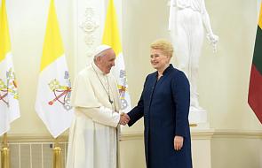 """""""Waszym zadaniem jest ugoszczenie różnic poprzez dialog, otwartość i zrozumienie"""". Franciszek na spotkaniu z władzami Litwy"""