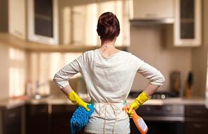 CBOS: w większości gospodarstw piorą, prasują i gotują wyłącznie kobiety