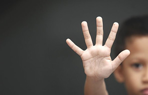 Co powinieneś zrobić, gdy dowiesz się o przypadku wykorzystania seksualnego przez księdza?
