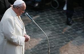 Papież Franciszek: chęć skandalu i dzielenia można pokonać tylko milczeniem i modlitwą