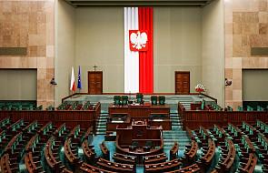 Rządzący w Polsce przyczyniają się do budowy murów
