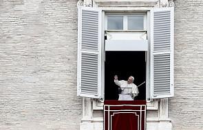"""Papież na """"Anioł Pański"""": otwierając się na potrzeby innych, dokonujemy cudów"""