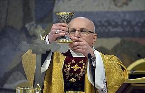 Bp Wętkowski: zaangażowanie Kościoła w politykę zawsze było i jest błędem