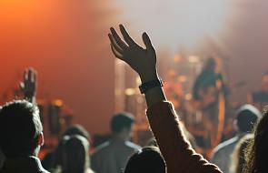 Czy modlitwa charyzmatyczna to same emocje? [WIDEO]