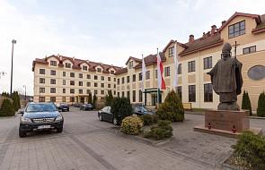 Toruń: fałszywy alarm w sprawie podłożenia bomby w budynkach szkoły o. Rydzyka