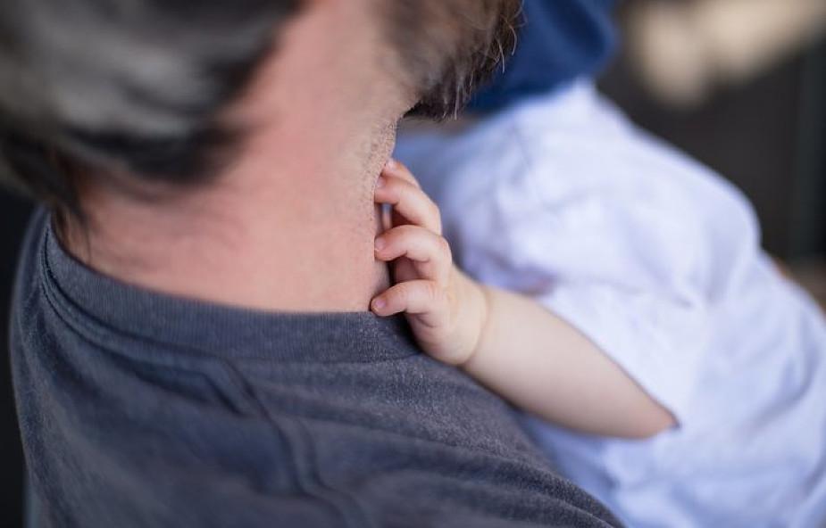 Szukasz miłości ze strony ojca, ale jej nie dostajesz? Te słowa mogą to zmienić