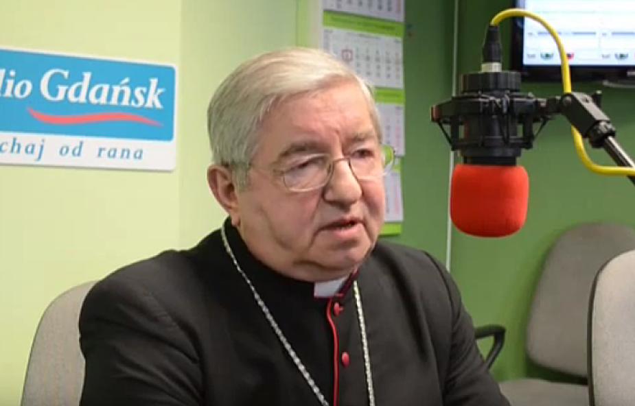 Abp Głódź po operacji Adamowicza: modlimy się o zdrowie i o cud