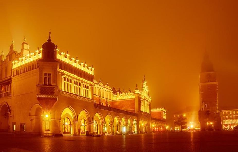 Kraków: od dzisiaj straż miejska będzie reagowała na nocną sprzedaż alkoholu na Starym Mieście i Kazimierzu