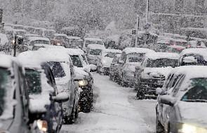 IMGW ostrzega: silne wiatry, zagrożenie powodziowe i intensywne opady śniegu