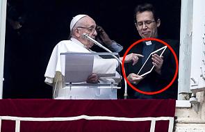 Po spotkaniu z wiernymi papież Franciszek... uruchomił aplikację modlitewną