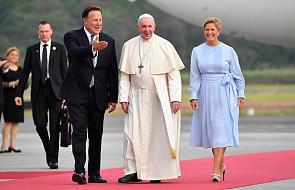 Po 13 godzinach lotu papież Franciszek przybył do Panamy