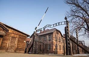 Ok. 50 b. więźniów niemieckich obozów na rocznicy wyzwolenia Auschwitz