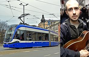 """Poznajcie """"Deliryka"""", pierwszego artystę tramwajowego. To, co robi, jest fenomenalne [WIDEO]"""