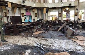 27 ofiar śmiertelnych wybuchów bombowych w katedrze na Filipinach. Jest też wielu rannych