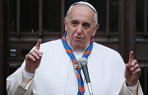 """""""Ludzkie życie jest bezcenne"""". Papież apeluje o przyjęcie 49 migrantów"""