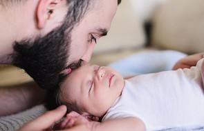 """Kiedy Bóg został tatą, płakał ze wzruszenia. """"Ta kołysanka ma dodawać otuchy"""""""