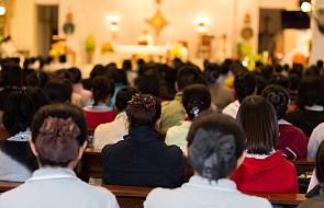 ISKK: w 2017 r. wzrosła liczba osób chodzących do kościoła