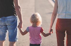 Kościół walcząc o tradycyjną rodzinę, nie może milczeć o dramacie, który się w niej rozgrywa