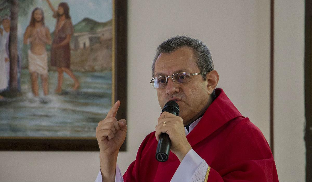 Obispo-armenia2.jpg [106.78 KB]